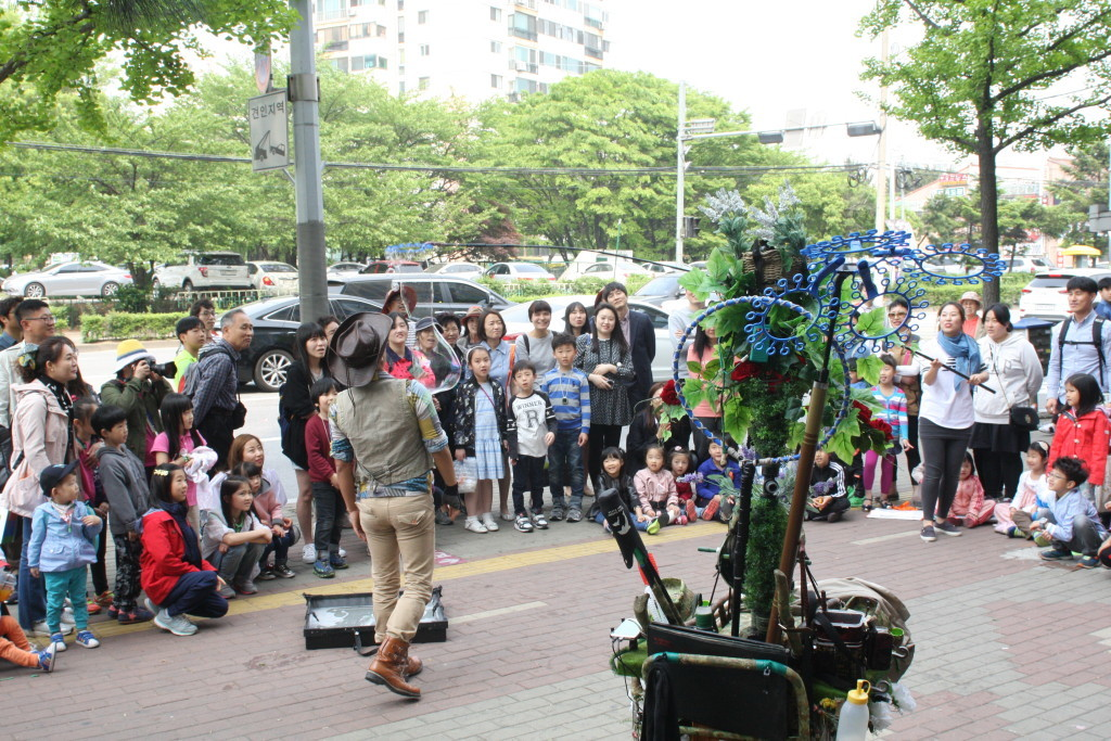 The Third Art Flea Market by the Gyeong Cultural Foundation (14)